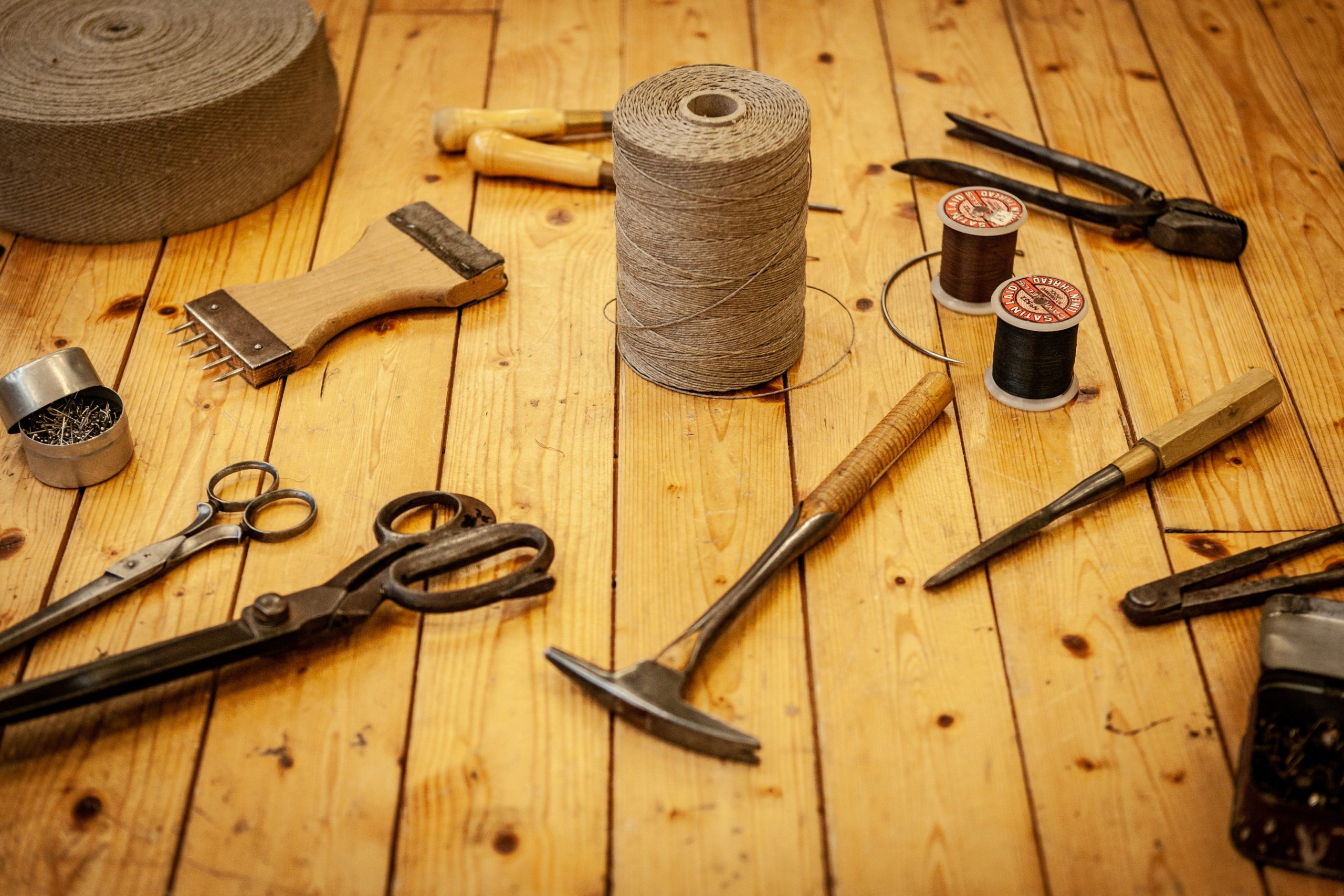 Qui sommes-nous tapissier le mans décoration restauration réparation