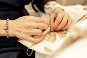 Slider n°3 couture main Le Mans Tapissier décorateur rideau